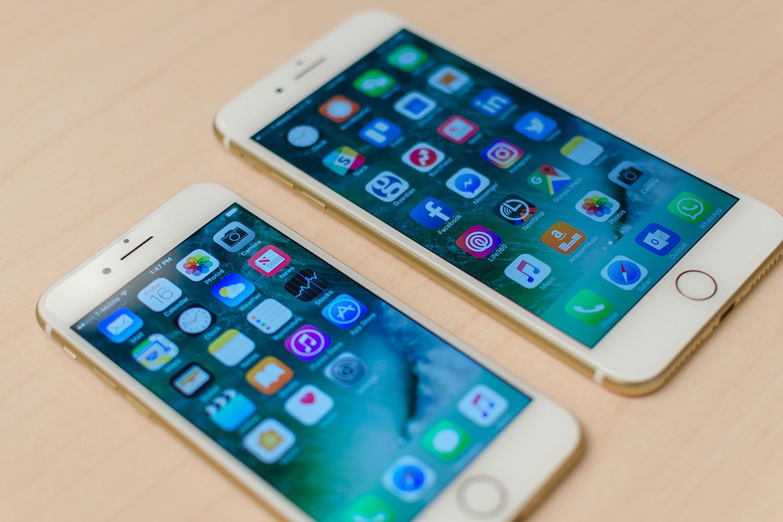 В чем разница между iPhone 7 и 7 Plus?
