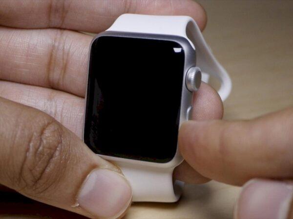 включение и выключение Apple Watch